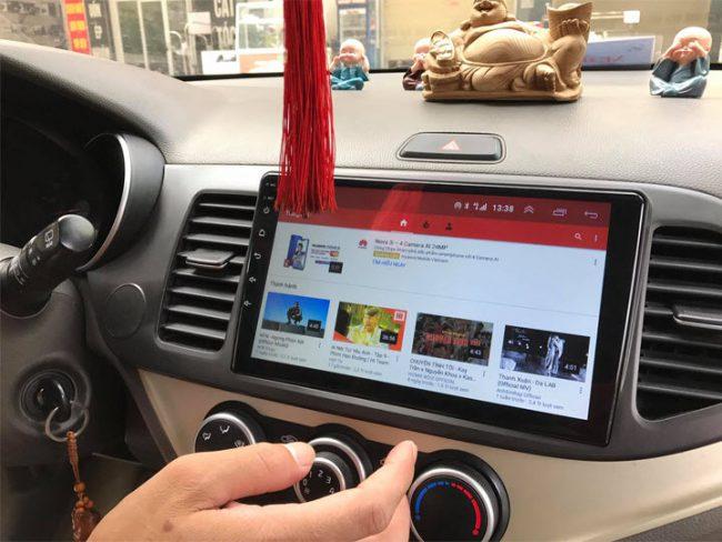 màn hình android xe hơi