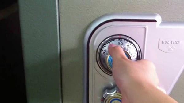 cách mở mã két
