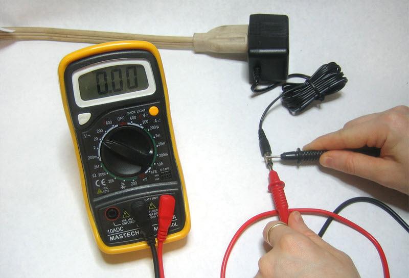 đo điện áp 1 chiều