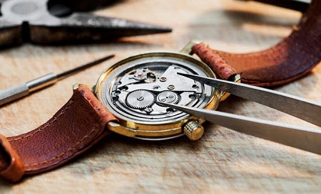 Đồng hồ cơ movado