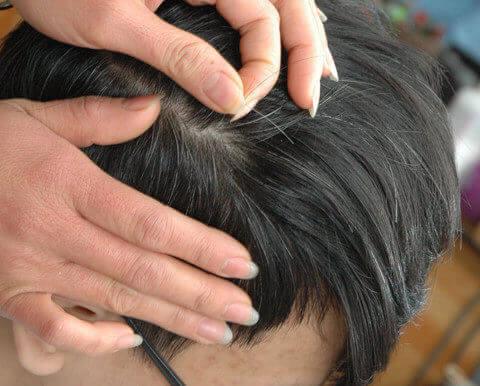 nhổ tóc bạc