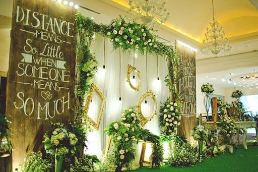 phông đám cưới gỗ
